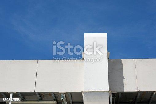 istock building hood 669342556