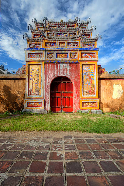 Building in the Imperial City of Hue, Vietnam Gate at the Imperial city (citadel), Hue, Vietnam huế stock pictures, royalty-free photos & images