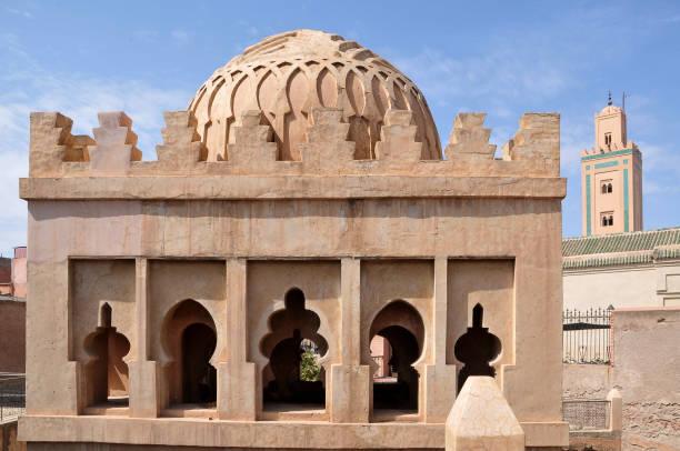 Edificio de arquitectura islámica en Marrakech - foto de stock