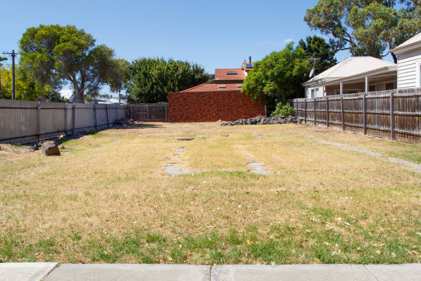 Building Plot - Melbourne Large enclosed garden area to be sold on as a building plot. Vacant land is very expensive in the Melbourne suburbs. grounds stock pictures, royalty-free photos & images