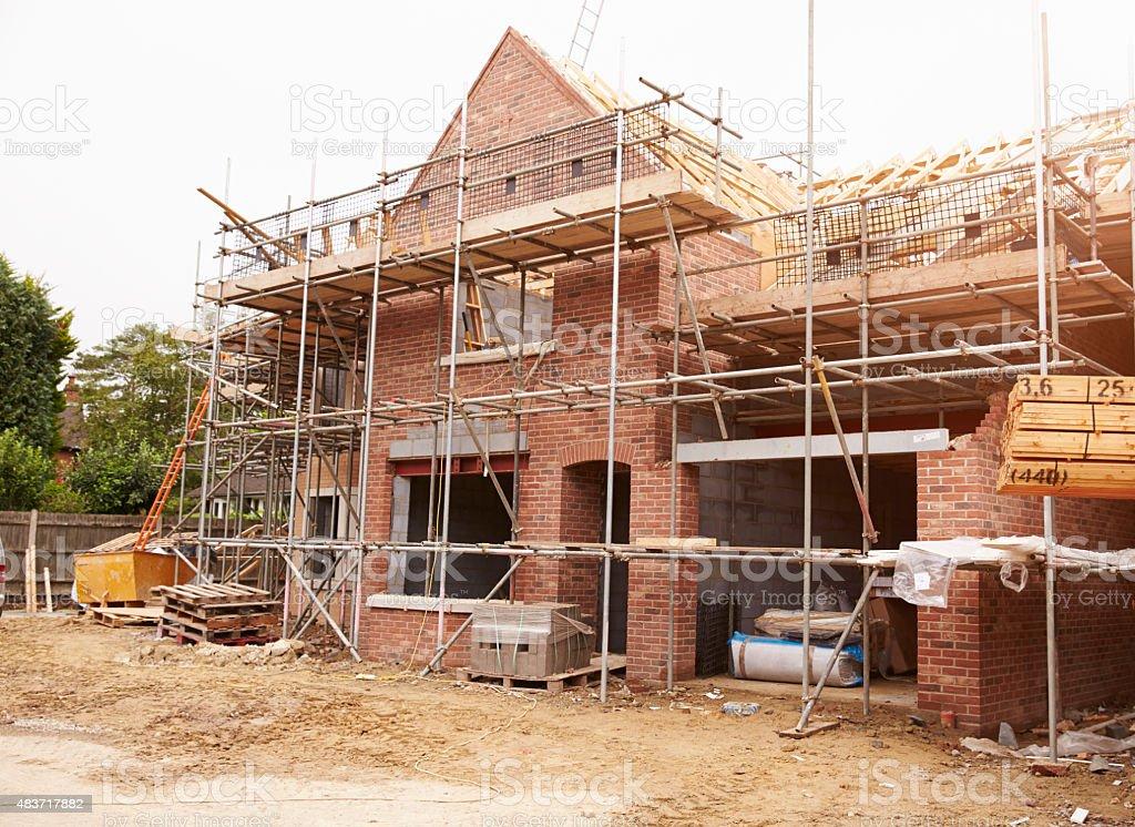 Baustelle mit Haus im Bau – Foto