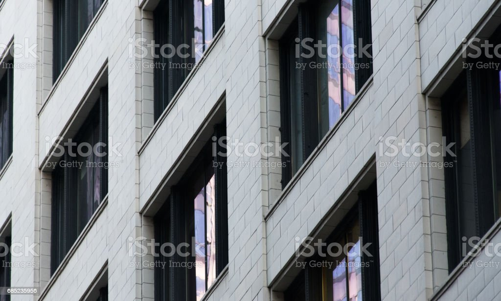 Ventanas del edificio foto de stock libre de derechos