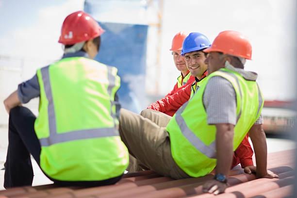 building workers having a rest - lunchrast bildbanksfoton och bilder