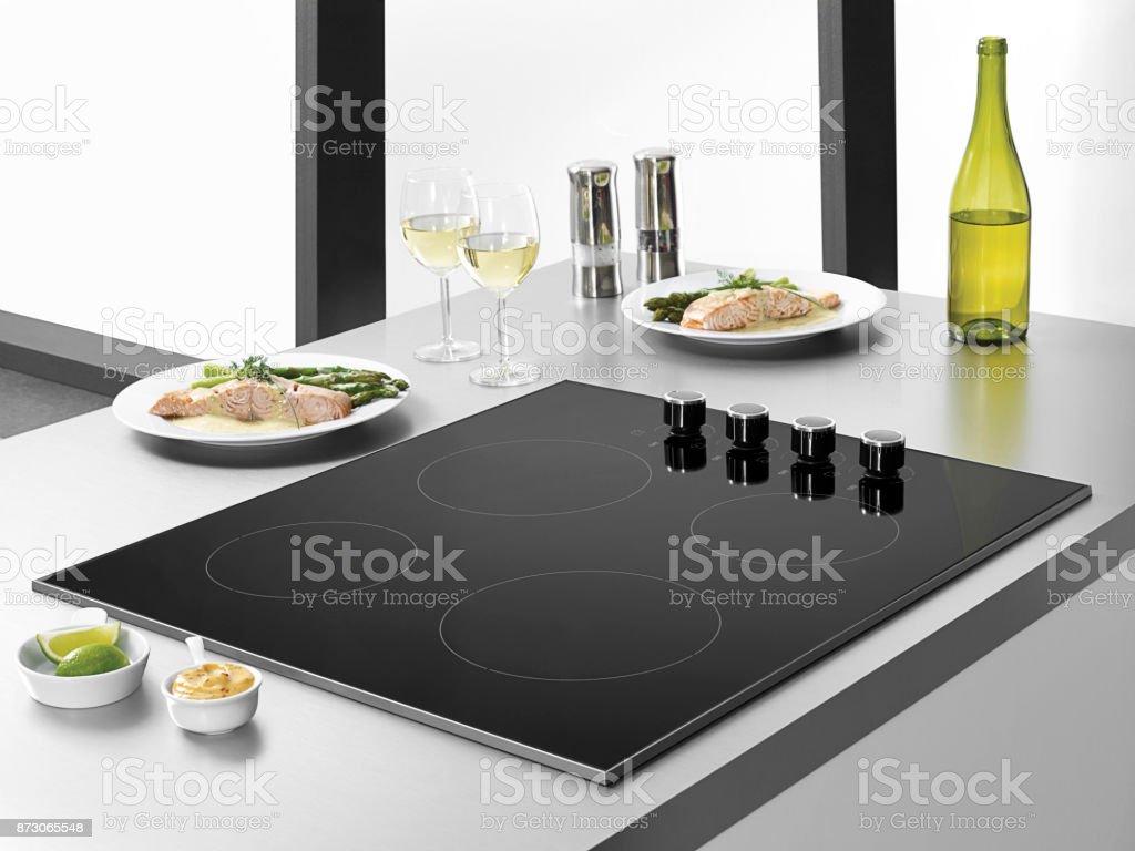 Erbaut Im Ofen Auf Einem Kithcenzähler Stock-Fotografie und mehr ...