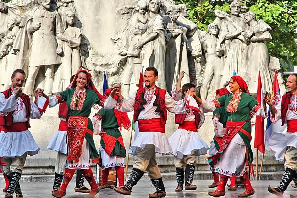 bulgarische volkstanz tanz - ungarn stock-fotos und bilder