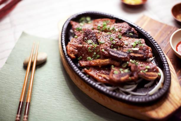 焼肉カルビ韓国グリル バーベキュー - 韓国文化 ストックフォトと画像