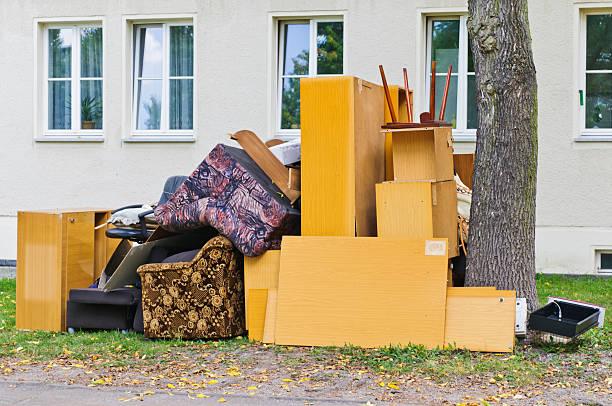 volume des déchets sperrmüll - détritus photos et images de collection