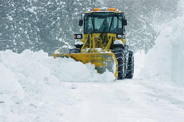 Bulldozer removing snow picture id120700845?b=1&k=6&m=120700845&s=612x612&w=0&h=zlv9ef5x4mjnil40lleh8hkjwk4kp5xqx74wury0njm=