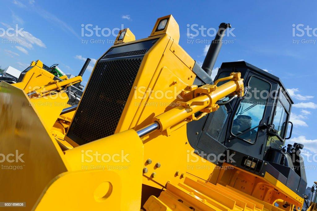 Bulldozer in Zeile – Foto