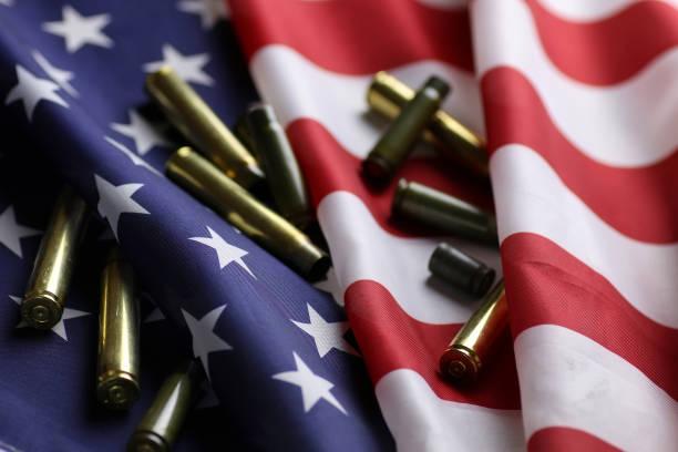 미국 국기에는 총알 - 쌍 뉴스 사진 이미지