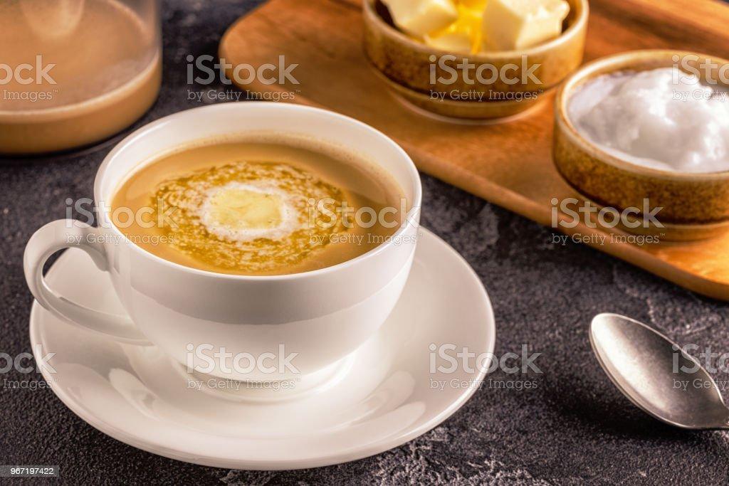 aceite de coco cafe y mantequilla