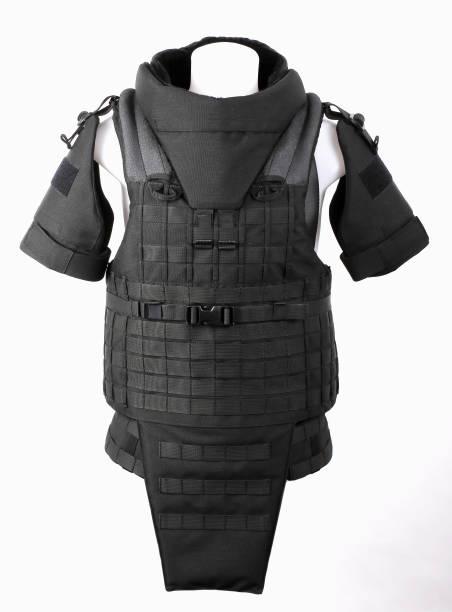 kugelsichere weste schutzweste abdeckt, camouflage, schwarz - kevlar weste stock-fotos und bilder
