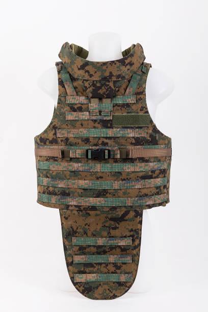 kugelsichere weste, body armor bettdecken, camouflage - kevlar weste stock-fotos und bilder