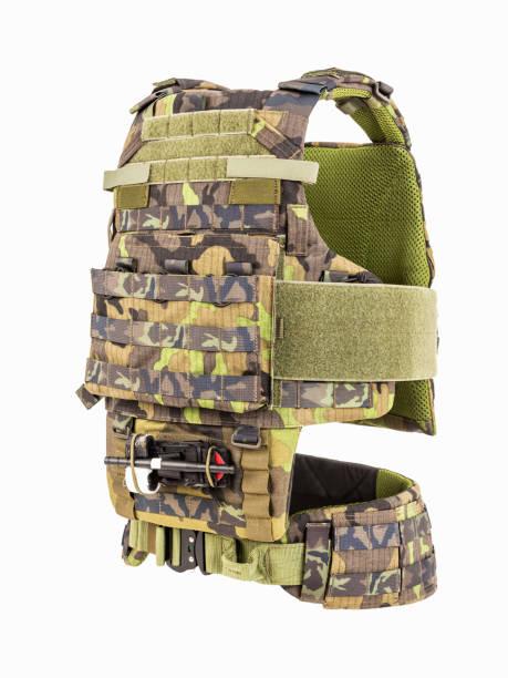 kugelsichere weste, kugelsichere multifunktionale schutzweste, camouflage - kevlar weste stock-fotos und bilder