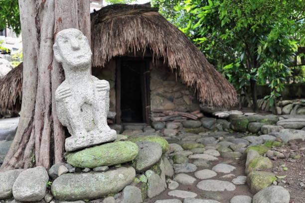 Bulul Idol-Ulog schlafenden Hütte für junge Mädchen. Bontoc-Mountain Region-Philippinen. 0206 – Foto