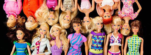 paar barbie fashon puppen banner - modepuppen stock-fotos und bilder