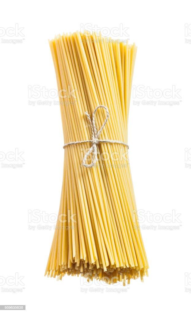 Manojo de spaghetti italiano aislado en blanco - Foto de stock de Bielorrusia libre de derechos