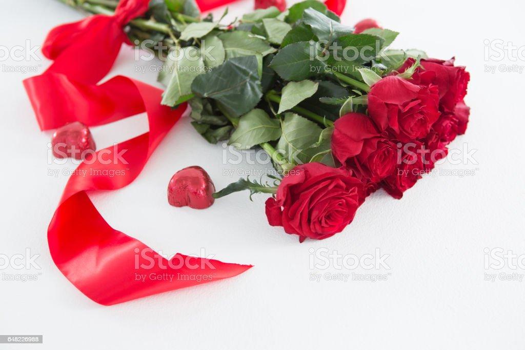 Photo Libre De Droit De Bouquet De Roses Rouges Entouré De