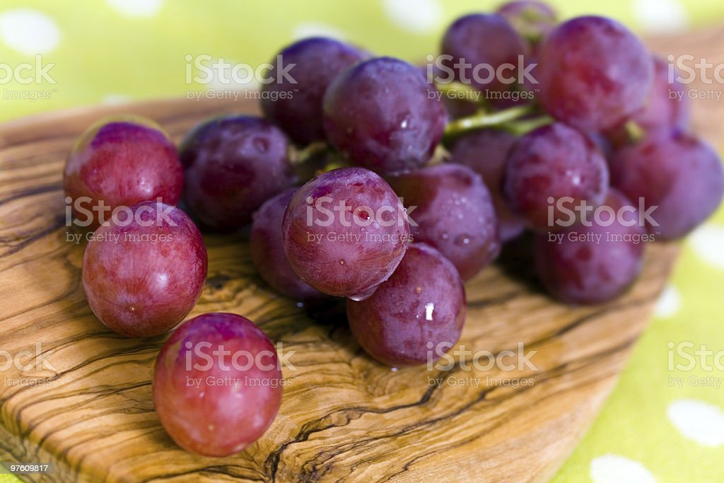 bunches of purple ripe grape royaltyfri bildbanksbilder