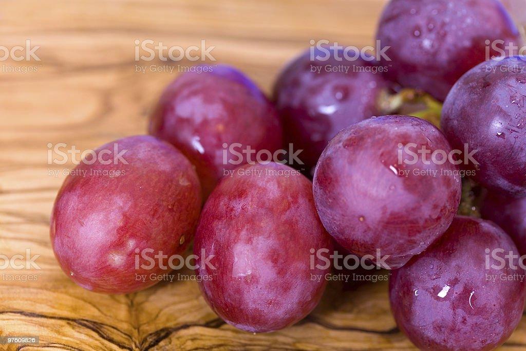 bunches of purple ripe grape royaltyfri bildbanksbilder