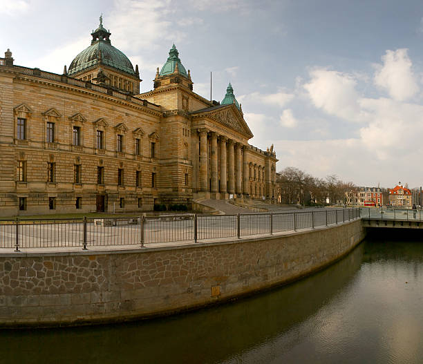 bundesverwaltungsgericht in leipzig - andreas weber stock-fotos und bilder