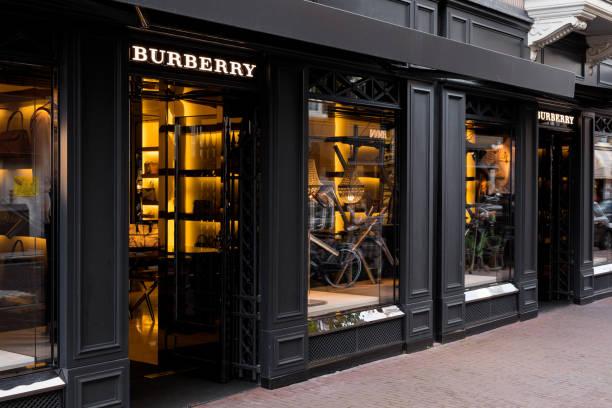 Burberry storefront in amsterdam picture id882912342?b=1&k=6&m=882912342&s=612x612&w=0&h= obcqwylmylfci2vc3p1h8eigcxhllgcccfxddngu9m=