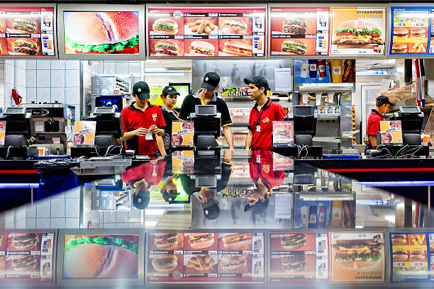 burger king fast food - fast food restaurant stock pictures, royalty-free photos & images