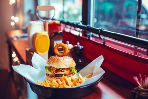 burger menü hamburger and potatoes bacon cheeseburger stock pictures, royalty-free photos & images