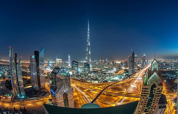 burj khalifa, dem höchsten wolkenkratzer der welt. - größte städte der welt stock-fotos und bilder