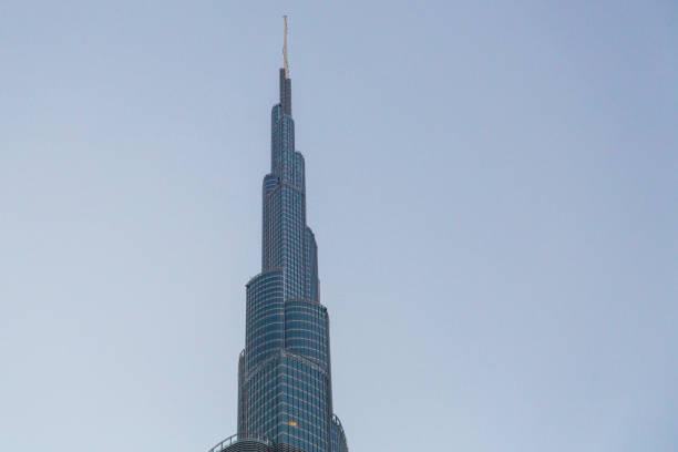 burj khalifa tower aussicht bei sonnenaufgang. - größte städte der welt stock-fotos und bilder