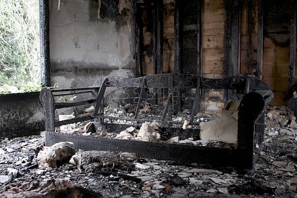 Niedergebrannt house – Foto