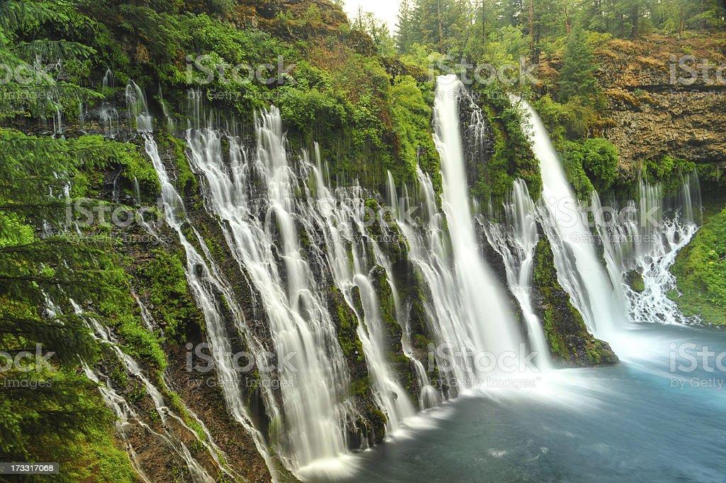 Wasserfall Burney Falls Wasserfall in Kalifornien nahe dem Redding – Foto