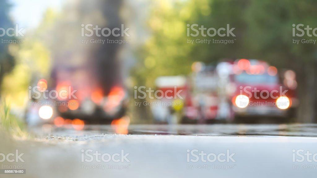 Quema de accidente de coche - foto de stock