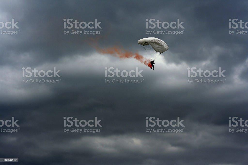 Burning Fallschirm Lizenzfreies stock-foto