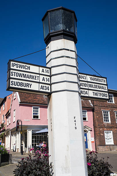 bury st edmunds direction sign - ipswich town stock-fotos und bilder