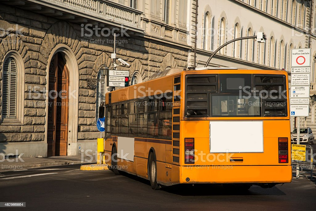 Autobus-Vista posteriore - foto stock