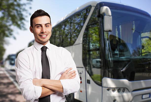 controlador de bus de retratos - conductor de autobús fotografías e imágenes de stock