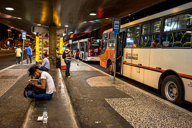 busbahnhof station - größte städte der welt stock-fotos und bilder
