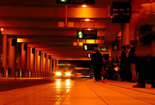 Arrêt de bus avec filtre 85b - Photo
