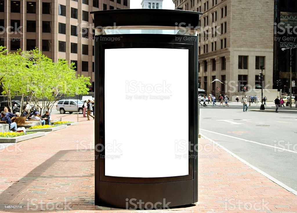 Panneau d'affichage sur l'arrêt de Bus de la ville - Photo