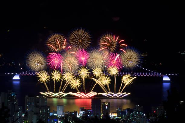 釜山花火祭り vd752 - 釜山 ストックフォトと画像