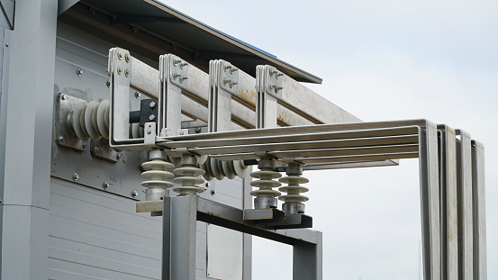 Busbar High Voltage. The high-voltage switch, high voltage element of the cell, an electrical isolator. Low voltage busbar.