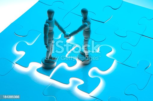 istock Business agreement concept with wooden figures 184385366