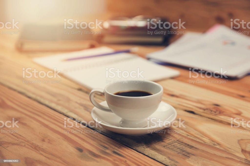 Wirtschaft und Finanzen Konzept des Büros arbeiten, Schreibtisch im Arbeitstag. - Lizenzfrei Ausrüstung und Geräte Stock-Foto