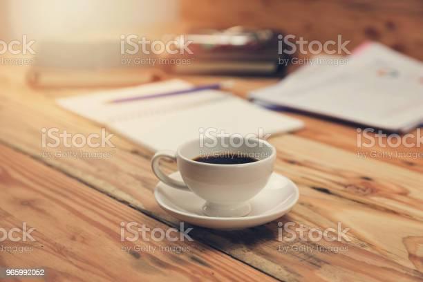 Wirtschaft Und Finanzen Konzept Des Büros Arbeiten Schreibtisch Im Arbeitstag Stockfoto und mehr Bilder von Ausrüstung und Geräte