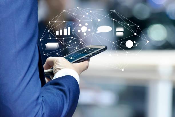 business et marketing en ligne app sur le concept de smartphone. - chatbot photos et images de collection
