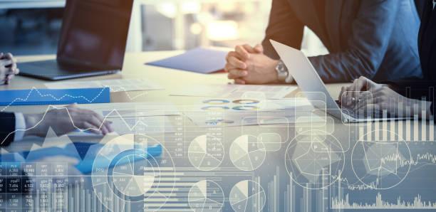 unternehmens-und statistikkonzept. business meeting. - börsenhandel finanzberuf stock-fotos und bilder