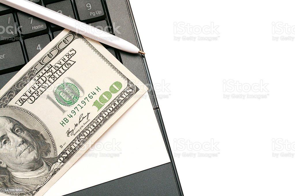 business-Karte und Geld auf einem laptop liegen – Foto