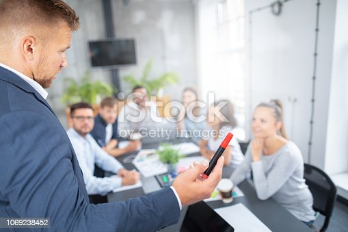 1069233370 istock photo Business coach concept. 1069238452