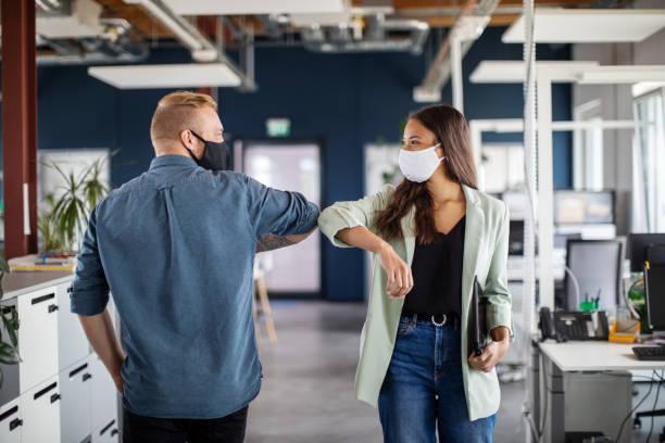 gestes barrières dans les nouveaux espaces de travail